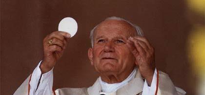 Giovanni Paolo II: «Nell'Eucaristia c'è tutta la storia»